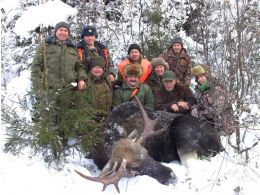 Winter battue hunting on elk and wild boar 2016